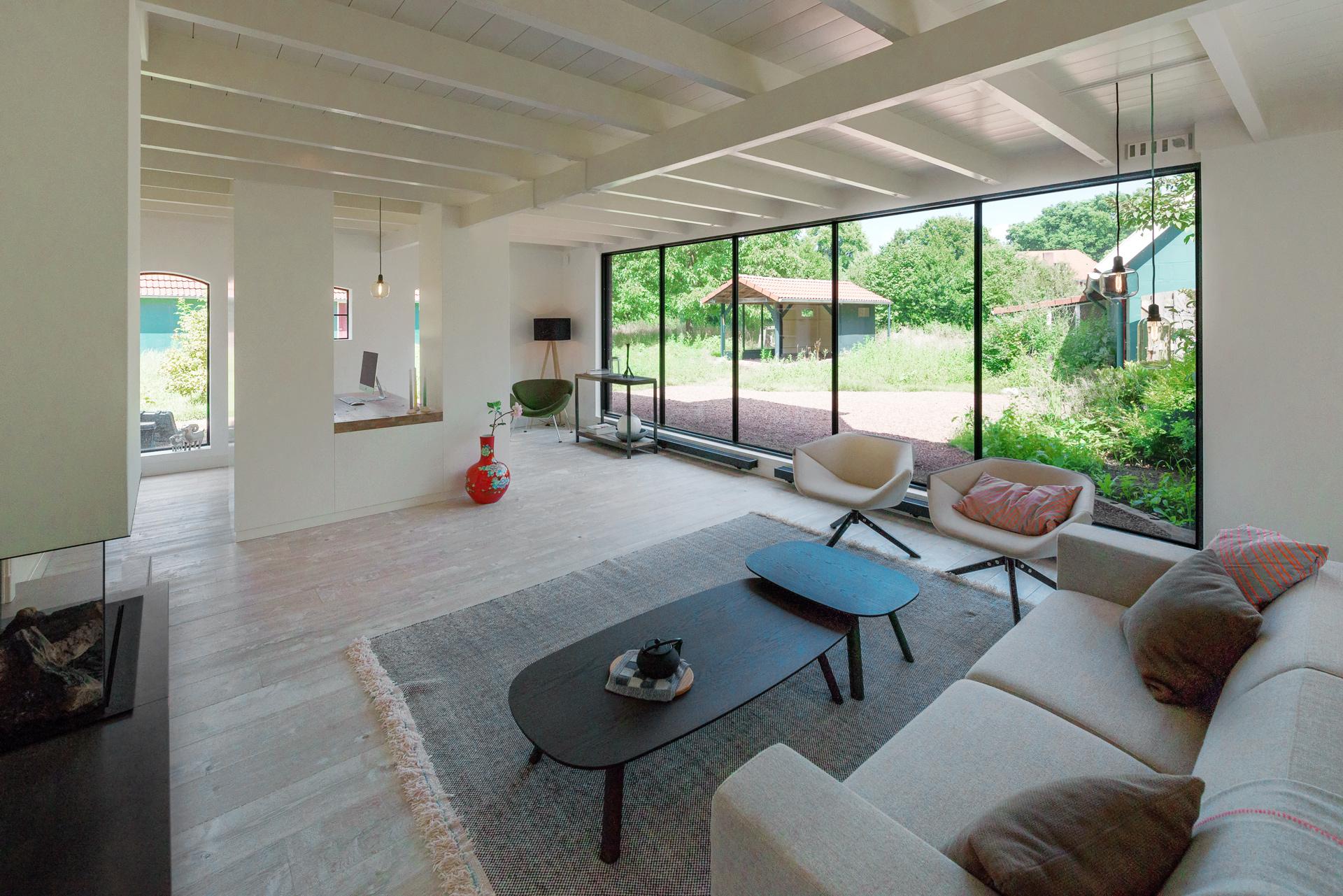 Werkplek aan huis met totaalontwerp erjo maatwerk interieur - Ontwerp huis kantoor ...